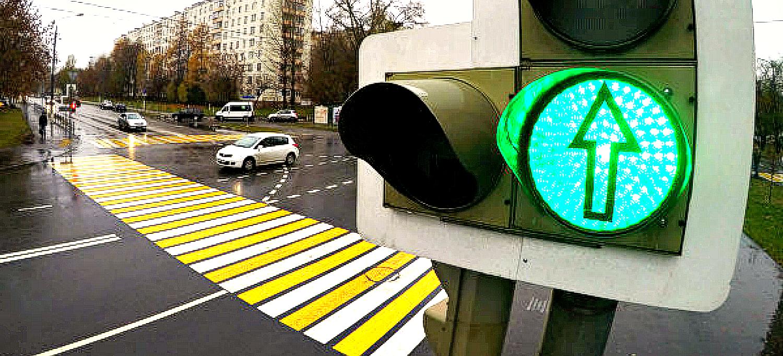 На российских дорогах стартует «Зеленая волна». Как работает система?