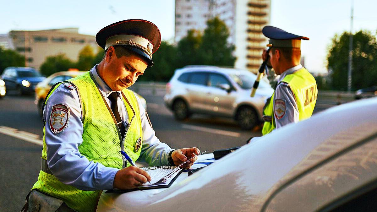 10 правил общения с инспектором ГИБДД при остановке автомобиля